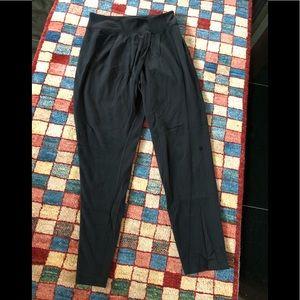 """Lululemon Black UNIQUE leggings w/front """"drape"""""""